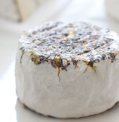 Home-cheese-wheel- Cowgirl Creamery a great place to order cheese that your ordinary market would not carry Best Cheese Platter, Cheese Platters, Yummy Treats, Yummy Food, Cheese Shop, Artisan Cheese, Wine Cheese, Group Meals, Charcuterie
