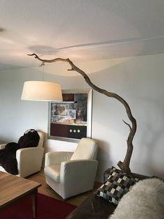 Vloerlamp van verweerde Eiken tak Inclusief lampenkap.