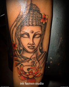 In deed Buddhist Tattoo Designs must look a bit religious but it is not so. That makes Buddhist Tattoo Designs so Buddha Tattoo Design, Tattoo Buddah, Buddha Tattoo Meaning, Buddha Lotus Tattoo, Tattoos With Meaning, Crucifix Tattoo, 2016 Tattoo, Lotusblume Tattoo, Head Tattoos