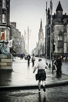 5 Things: A Travel Guide to Edinburgh Photo