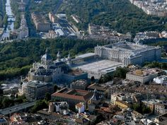 Bird's-eye view of the Royal Palace, The Cathedral. Madrid