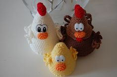 crochet easter decoration, rooster, hen and chicken