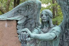 Haserot Angel at Lakeview Cemetery: One of my favorite statue's there - Imgur