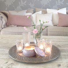 Deko – Karime Kasey - All For Decoration Table Decor Living Room, Decor Room, Diy Home Decor, Bedroom Decor, Condo Decorating, Decorating Coffee Tables, Pinterest Home, Tray Decor, Decor Interior Design