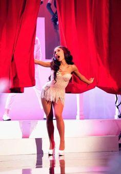 Ariana Grande at the 2015 American Music Awards and Nicki Minaj's fake smile Ariana Grande Dangerous Woman, Dangerous Woman Tour, Ariana Grande Fans, American Music Awards, Nicki Minaj, Woman Crush, My Idol, Sexy, Snapchat
