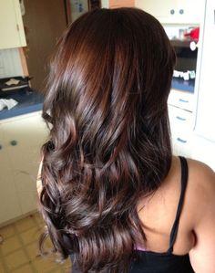hair highlights for black hair / hair highlights Hair Color Highlights, Hair Color Dark, Cool Hair Color, Brown Hair Colors, Dark Hair, Hair Color And Cut, Color Red, Mahogany Highlights, Color Streaks