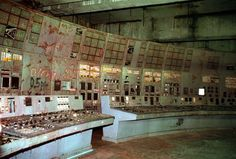 "The ""highly radioactive"" control room at Chernobyl Nuclear Power Plant's Reactor 4 at the center of the facility's infamous 1986 catastrophe is open for tourists, so long as they wear a protective suit, helmet, and gloves while inside, CNN reported. Nagasaki, Hiroshima, Chernobyl Reactor 4, Nuclear Reactor, Chernobyl Nuclear Power Plant, Chernobyl Disaster, Chernobyl 1986, Abandoned Buildings, Places"