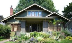 Classic Craftsman outside Tiny House Exterior, Craftsman Exterior, Craftsman Style Homes, Craftsman Bungalows, Exterior Paint, House Exteriors, Arts And Crafts Interiors, Arts And Crafts Furniture, Small Places