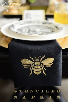 Queen Bee stencil from Royal Design Studio for creative DIY napkins Bee Stencil, Bee Art, Bee Design, Bee Happy, Linen Napkins, Bees Knees, Tampons, Queen Bees, Bee Keeping