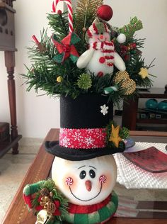 mary gutierrez's media content and analytics Christmas Sewing, Plaid Christmas, Primitive Christmas, Rustic Christmas, Christmas Home, Christmas Wreaths, Christmas Crafts, Christmas Ornaments, Mason Jar Christmas Decorations
