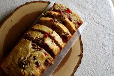 Honey Cranberry Cornmeal Quick Bread--for ASC Thanksgiving dinner Quick Bread Recipes, Snack Recipes, Snacks, Cookie Desserts, No Bake Desserts, Scones, Cranberry Quick Bread, Biscuits, Muffins