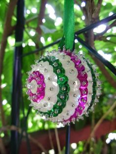 New Leaf Crafts: 'Sparkly Rings' Sequin Ornament Craft Tutorial