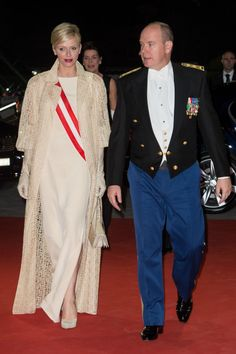 Love Princess Charlene's bold styles - here with Albert at the #Monaco National Day Gala