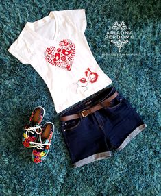 Playera mexicana. Mexican Style. Mexican outfit. blusa bordada. bordados mexicanos Mexican Outfit, Rock Revival, Pants, Outfits, Fashion, Embroidered Blouse, Over Knee Socks, Online Shopping, Party Dresses