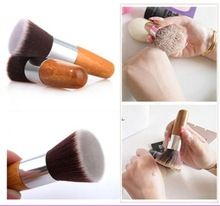 Profesionální Makeup Brush Flat Top Štětec Foundation Powder Brush Krása Cosmetic Doplní brushesTool Dřevěná Kabuki Make-up Brush (Čína (pevninská část))
