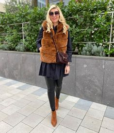 Winter outfit idea | For more style inspiration visit 40plusstyle.com