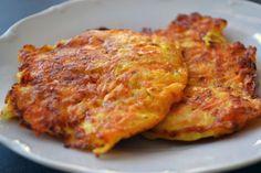 Fotorecept: Mrkvové placky Vegetable Recipes, Vegetarian Recipes, Cooking Recipes, Healthy Recipes, Sin Gluten, Good Food, Yummy Food, Czech Recipes, Cooking Light