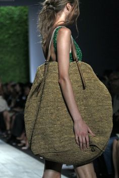 Michael KORS s/s 2011 - great big bag for beach/swimming