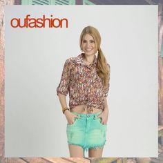 Estampas étnicas, com uma pegada bem cultural e colorida, para animar o começo da semana. Acrescente o jeans color e aposte num look que tem uma vibe jovem e moderninha!  #dica #denimcolor #camisafashion #teen #oufashion