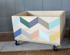 Funky storage boxes for toys Alcove Storage, Storage Boxes, Kids Furniture, Painted Furniture, Creative Home, Baby Toys, Wood Projects, Playroom, Cool Designs