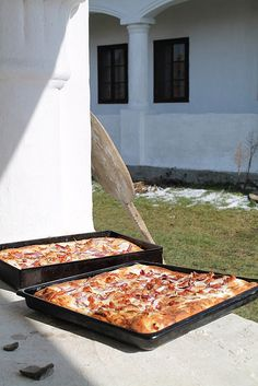 Wood Fired Oven, Pizza, Bread Baking, Recipe Box, Picnic Blanket, Hamburger, Bacon, Lime, Food And Drink