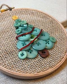 ,Button Tree Christmas Hanging Decoration Green Button Tree Beads Embroidery Hoop - DIY @ Craft's What is embroidery ? Generally, embroidery is a parti. Tree Crafts, Christmas Projects, Holiday Crafts, Diy Crafts, Christmas Button Crafts, Diy Tree, Summer Crafts, Paper Crafts, Christmas Sewing
