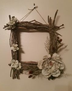 Driftwood Wall Art, Driftwood Crafts, Diy Crafts For Gifts, Craft Stick Crafts, Diy Wall Decor, Diy Home Decor, Bamboo Picture Frames, Natural Wood Crafts, Primitive Wall Decor