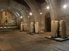 1000 Lugares en Galicia: Iglesia de Santa María A Nova (Noia). Museo de Lau...