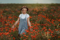 Dupa 6 ani de fotografie, am reusit, in sfarsit, sa realizez prima sedinta foto intr-un camp de maci. Am fost norocos ca modelul meu sa fie Sasha Borona si feelingul meu este ca am facut o echipa buna! Sedinta foto s-a desfasurat intr-un camp de maci din localitatea Buftea #photoshooting, #spring, #poppies, #poppiesphotoshootingideas, #beauty, #lovelygirl, #photoshootingideas #redflowers #girlwithhat, #photographer #maci, #sedintafotomaci #campcumaci Hipster, Model, Vintage, Style, Fashion, Atelier, Swag, Moda, Hipsters
