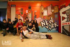 Atelier Graffiti à l'accueil jeunes Mirail Université Toulouse Mirail Le Mouvement Graphique