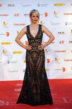 María Adánez sobre la alfombra roja esta vez con un vestido negro y nude calado.