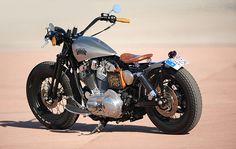 Ce Bobber sur base Sportster découvert sur l'excellent site BikeExif nous rappelle fortement le Softail de notre ami Facundo Falco....