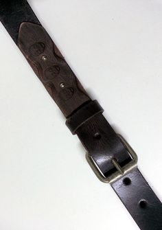 Adjustable Leather Belt    Materials  ********************  Leather    Measurements  ********************  Length : 47.64 (121 cm)  Width : 1.18 (3 cm) #handmadeatamazon #nazodesign