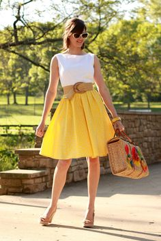 What I Wore, love the yellow skirt Pretty Outfits, Cute Outfits, Star Fashion, Womens Fashion, Dress Fashion, Fashion Beauty, Vintage Mode, Vintage Style, Vintage Bag