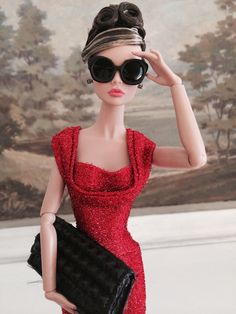 So lovely ....classic glam style