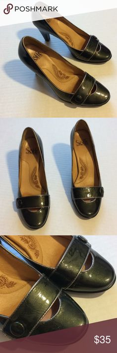Sofft brand heeled shoes. Petty green color! 5.5 Such beautiful shoes!! Pretty green color Sofft Shoes Heels