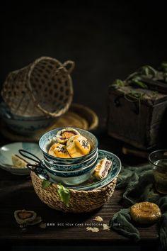 Food Platters, Food Dishes, Vintage Food Posters, Best Chinese Food, Dark Food Photography, Food Concept, Creative Food, Food Design, Food Plating