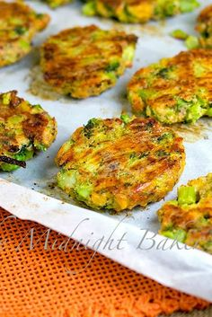 Bacon Cheese Broccoli Bites | bakeatmidnite.com | #snacks #SideDish #broccoli