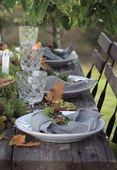 syksyinen kattaus Seasonal Decor, Fall Decor, Place Settings, Table Settings, Hospital Table, Autumn Table, Cool Tables, Dinner With Friends, Table Setting Inspiration