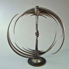 Line Sculpture, Metal Art Sculpture, Art En Acier, Art Fer, Metal Art Projects, Blacksmith Projects, Steel Art, Kinetic Art, Iron Art