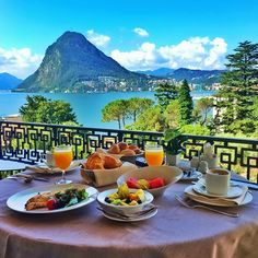 Image shared by Valentina Morina. Vacation Places, Dream Vacations, Vacation Trips, Vacation Spots, Vacation Ideas, Romantic Table, Beautiful Home Designs, Beautiful Homes, European Summer