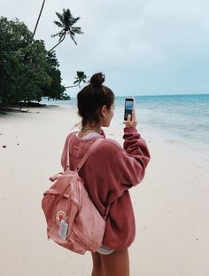 Fjallraven - Kanken Mini Classic Backpack for Everyday Summer Pinterest, Shotting Photo, Photographie Portrait Inspiration, Ft Tumblr, Hawaii Tumblr, Summer Goals, Summer Photos, Tumblr Summer Pictures, Tumblr Beach Photos