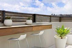 AuBergewohnlich Terrassen » Moderne Dachterrasse Bietet Mehrere Unterhaltungsmöglichkeiten  An #bietet #dachterrasse #mehrere #moderne