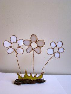 1°- Faire un dessin de ce que vous souhaitez réaliser. une fleur par exemple: le fils armé fil trouvé sur...