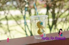 Mermaid plastic cups with lids and straws