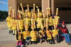 CARNAVAL 2014 - Dolors Iborra - Álbumes web de Picasa.Zebres 3r. Safari Theme, Jungle Safari, Giraffe Costume, Elephant Birthday, Kites, Fancy Dress, Habitats, Baby Kids, Preschool
