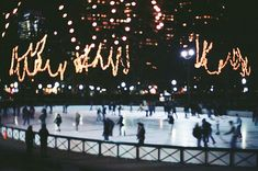 ice skating in the city // christmas festivities // christmas lights // winter wonderland //