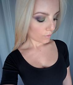 Occhi: Duochrome palette by Neve Cosmetics.