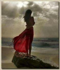 Deixa o mar levar para longe todo mal que existe.  E. Silva