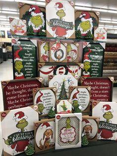 Hobby Noiva E Madrinhas Estampado - - Hobby Lobby Tables - - Unique Hobby To Try - Grinch Christmas Decorations, Grinch Christmas Party, Christmas Time, Holiday Decor, Grinch Party, Hobbies For Couples, Hobbies To Try, Hobbies That Make Money, Hobby Lobby Decor